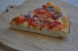 The soft focaccia with red onions: what a delight!