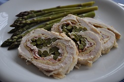 Chicken rolled with asparagus