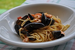 Spaghetti mussels and shrimp