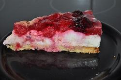 Der Quarkkuchen mit Beeren