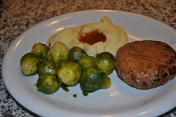 Swiss beef with sprouts and mashed potatoes, light recipe